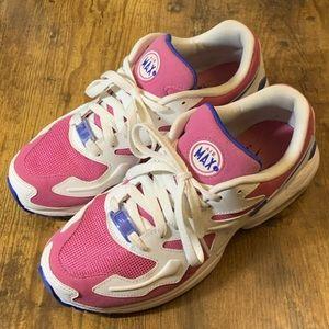 Size 8.5 Women's Nike Airmax 2 Lite worn once